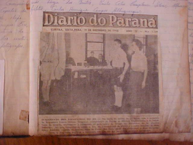Foto do jonal Diário do Paraná com a reportagem do início das atividades